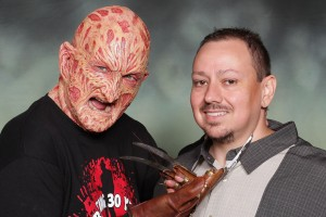 Arnie seized the opportunity to get a once-in-a-lifetime photo with Englund in the Freddy makeup.