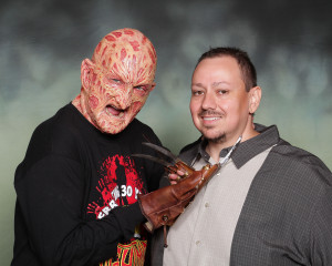 Freddy vs. Arnie -- Robert Englund and Arnie pose for a photo at Flashback Weekends in Aug. 2014