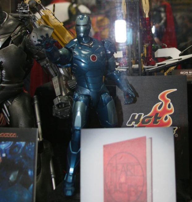 Sideshow Marvel Hot Toys 30