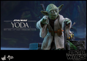 Hot Toys - Star Wars EpV - Yoda Collectible Figure_PR1