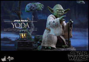 Hot Toys - Star Wars EpV - Yoda Collectible Figure_PR7