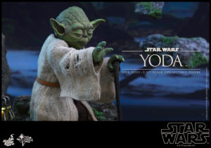 Hot Toys - Star Wars EpV - Yoda Collectible Figure_PR9