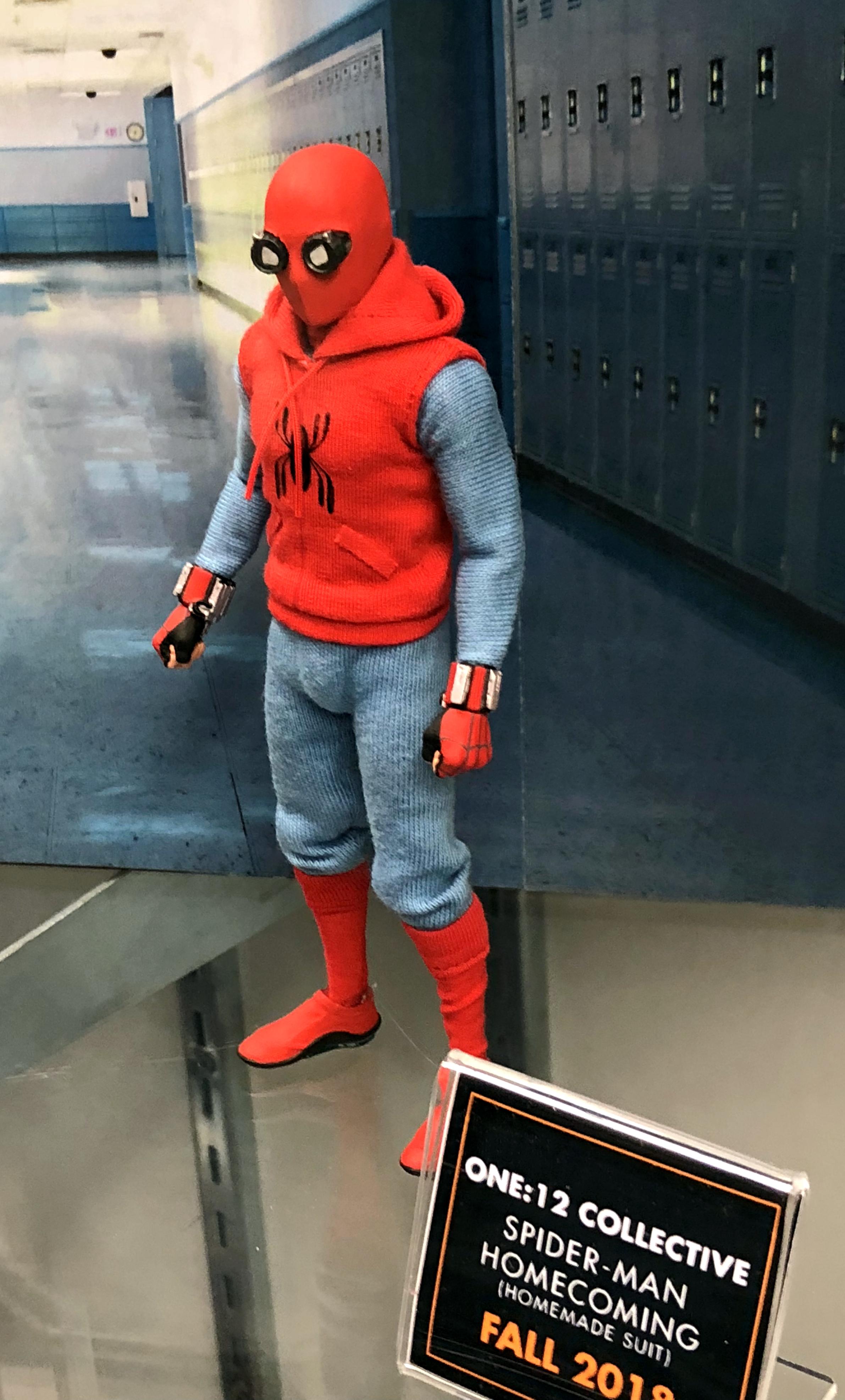 » 2018 Toy Fair Mezco One Twelve Collective Spider-Man